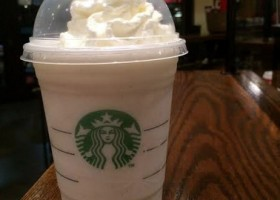 Starbucks Candy Cane Frappuccino, reviewed